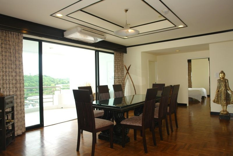 luxurious seaview condo    to rent in Naklua Pattaya