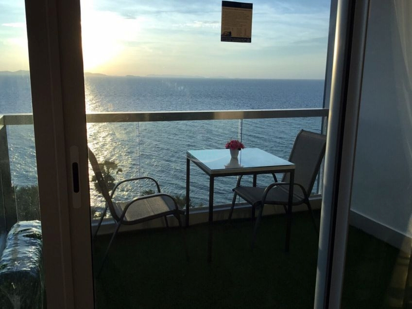 stunning wongamat penthouse for rent only 80,000 per month Condominiums to rent in North Pattaya Pattaya