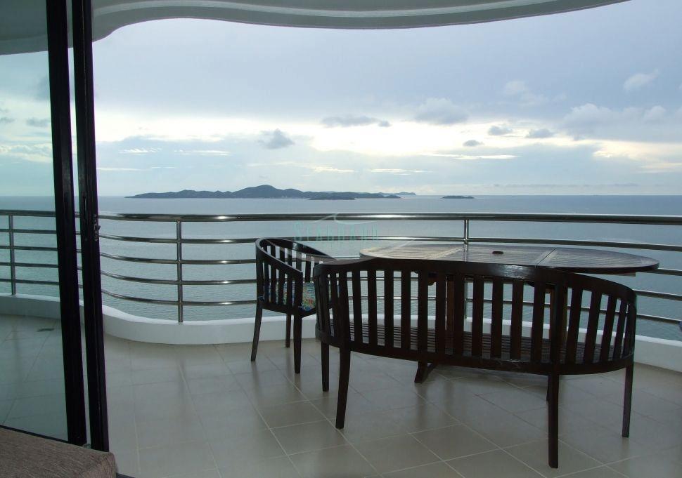 corner luxury apartment for rent  Condominiums to rent in Jomtien Pattaya