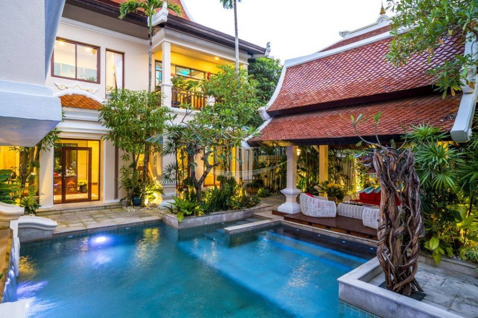 exclusive pool villa swimming pool sale