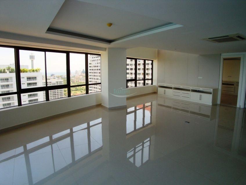 ban hard u-thong condominium for sale in Pratumnak Pattaya