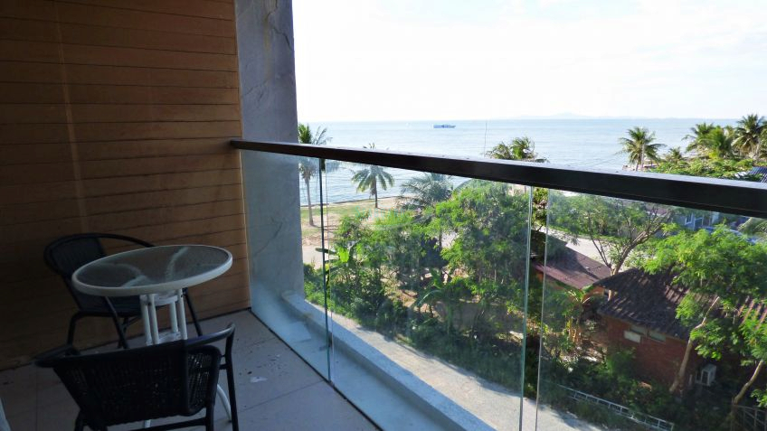 luxury 2 bed condo for sale & rent to rent in Wong Amat Pattaya