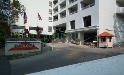 guesthouse with 20 bed rooms with fully furnished pattaya property agent