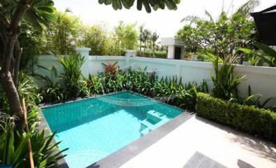 swimimg pool house for sale pattaya