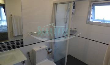 bathroom single basin with shower room modern apartment for rent for sale agency pattaya